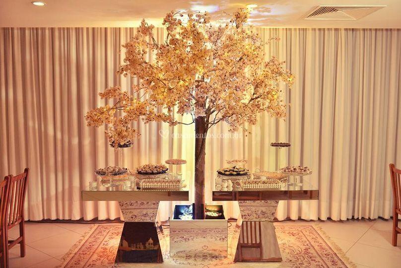 Árvore francesa com 3 metros