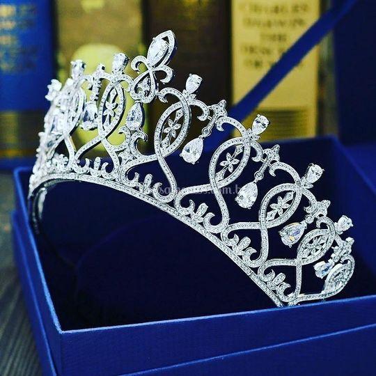 Coroa em prata, com Strass!