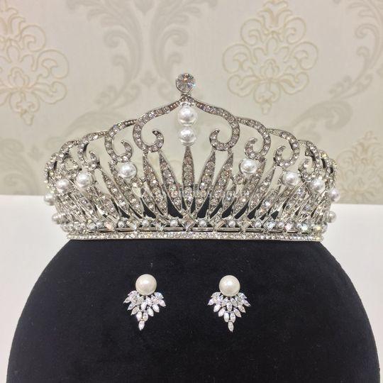 Coroa realeza com perola