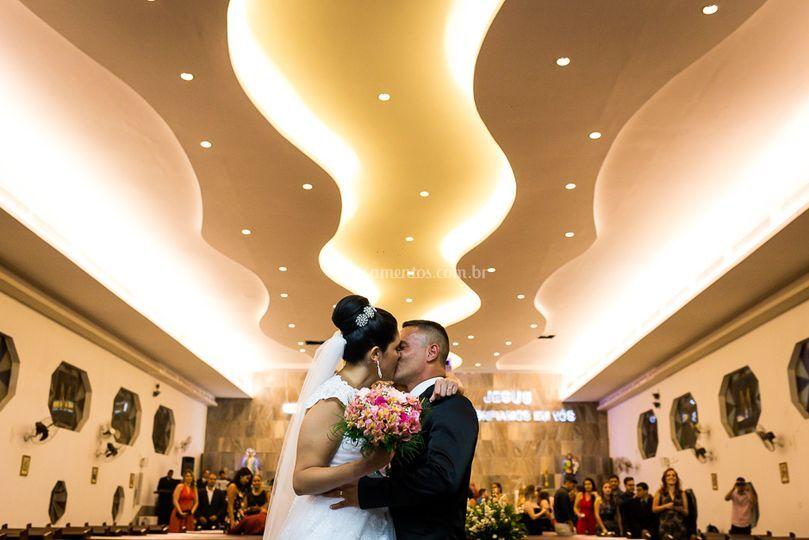 Cerimonia casamento beijo