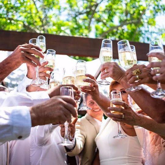 Um brinde aos noivos