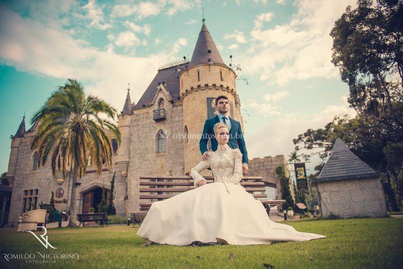 Casal no castelo de Itaipava