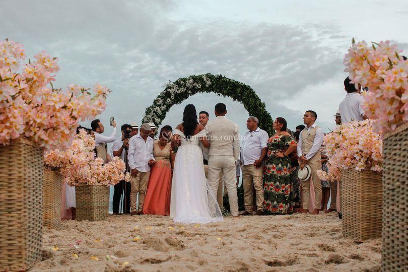 Cerimônia linda na praia!!