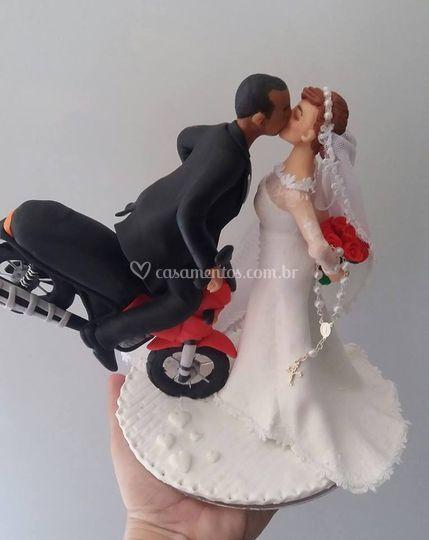 Noivos com moto