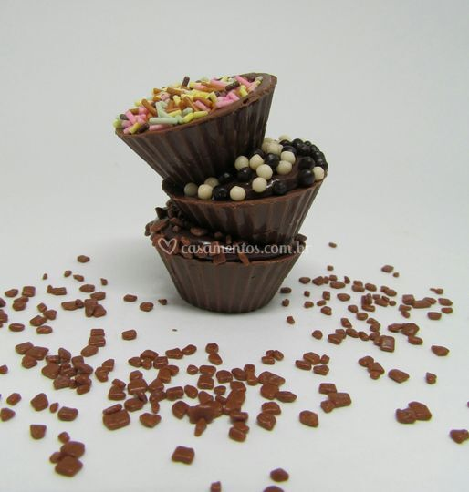 Casquinhas de chocolate rechea