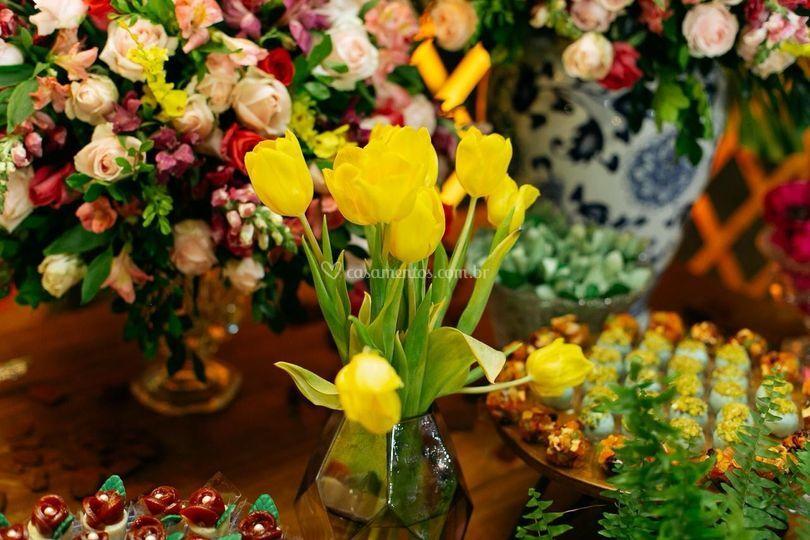 Muitas flores para a festa