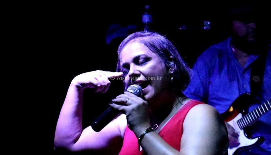 Fernanda Biondo - Vocal
