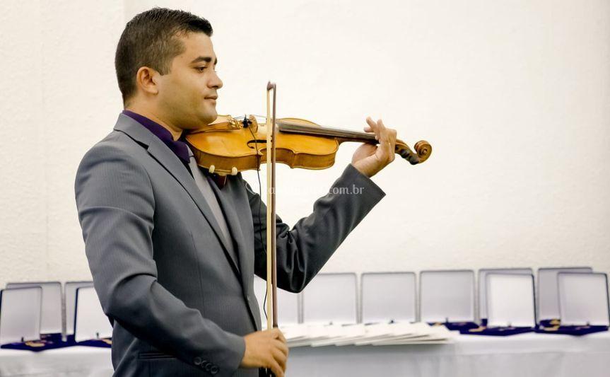 Surpreenda ao som de violino
