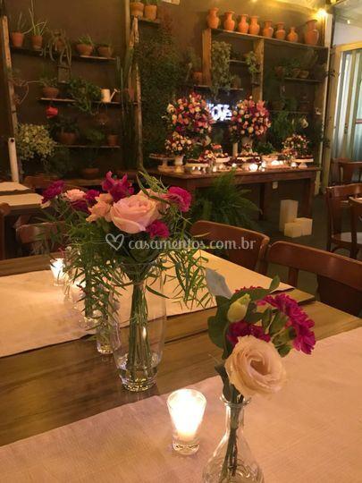 Vasinhos na mesa