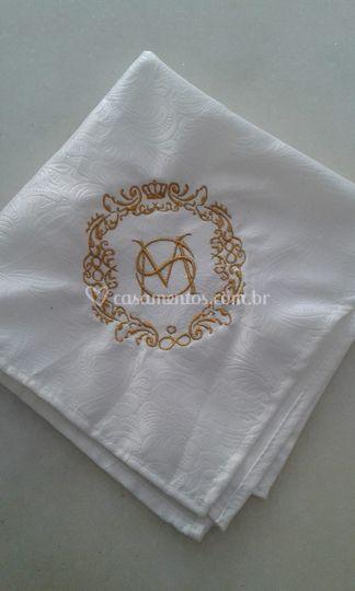 Guardanapo de tecido bordado