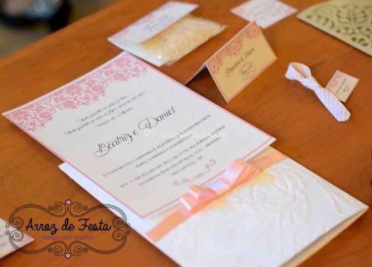 Convite e papelaria rosa