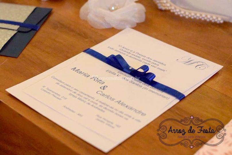 Convite clássico com laço