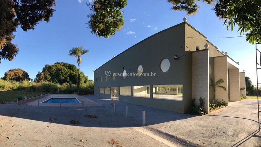 Ambiente climatizado com pisc