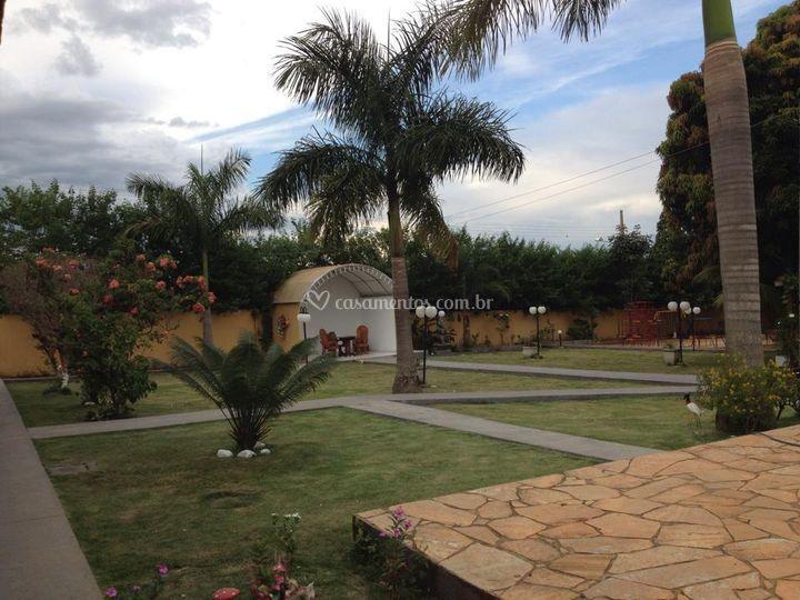 Jardins e zona externa