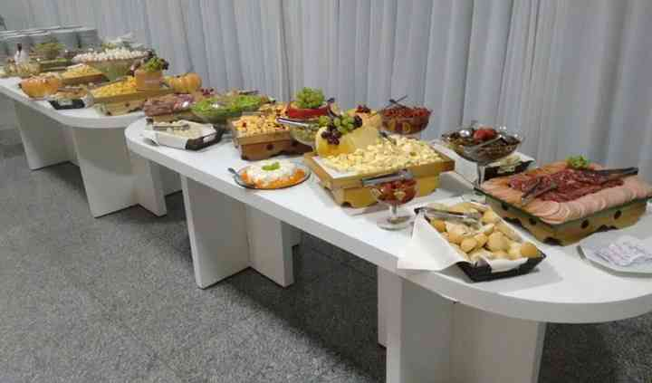 Buffet Chantilly