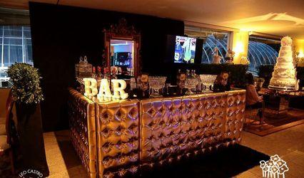 Hot Show Bar 1