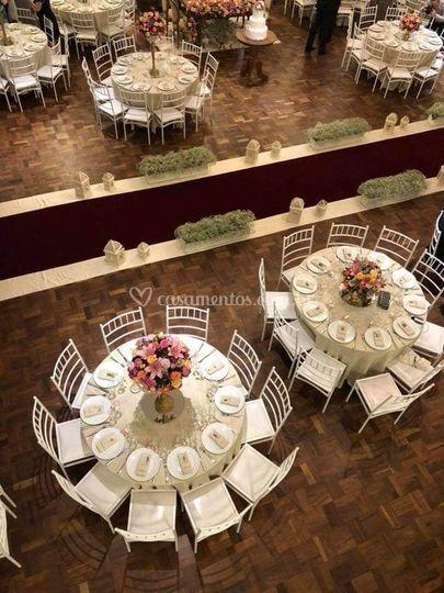 Salão de festa com cerimônia