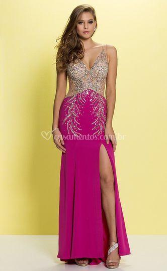 Vestido rosa frente bordado