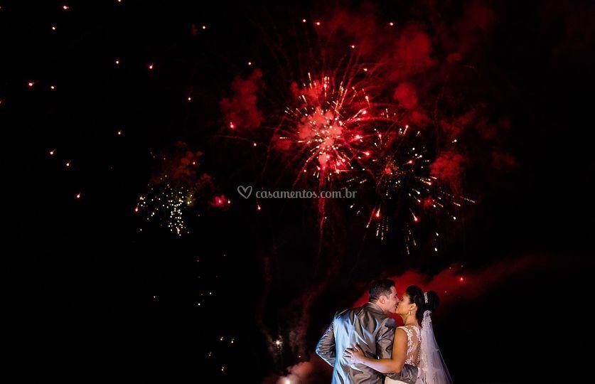 Foto casal fogos