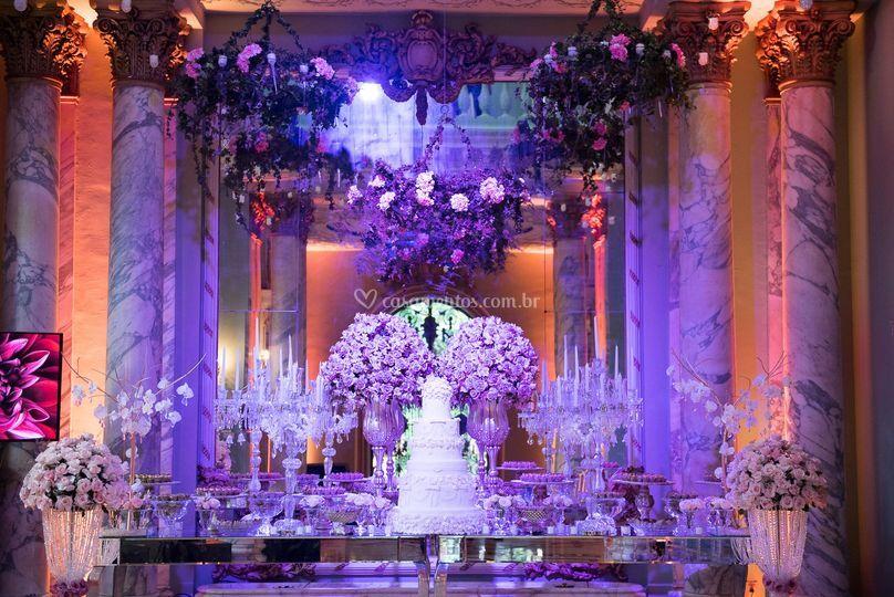 Mesa de bolo espelhada