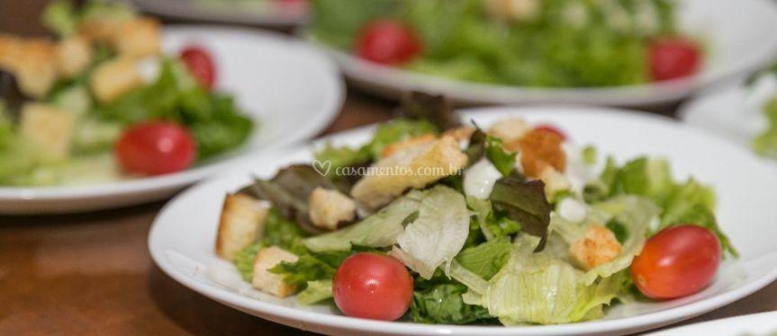 Salada empratada