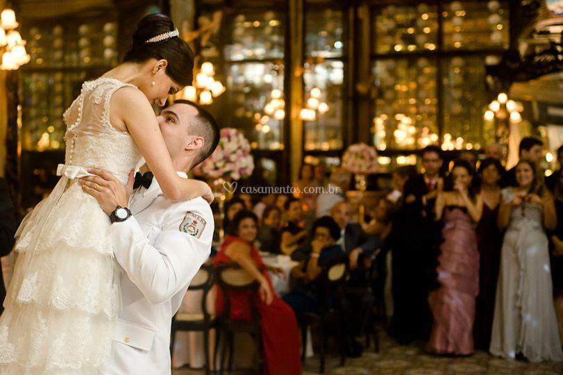Bolero Romantico na Colombo