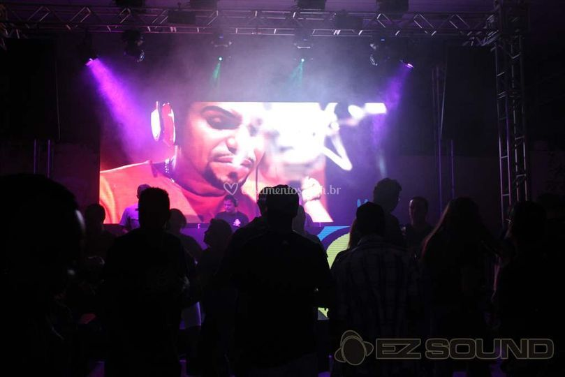 Video Jockey com Painel de LED