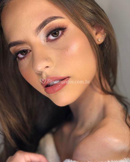Carol Coutinho Makeup