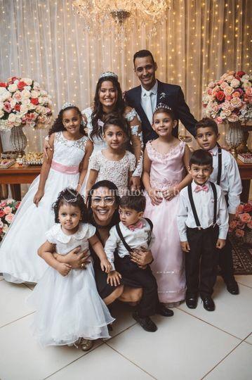 Criancas na cerimonia momento