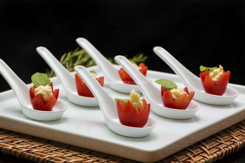 Mini tomatinho com provolone