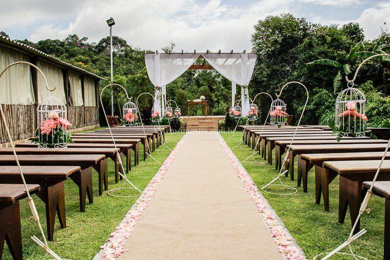 Altar para cerimonia ao ar liv