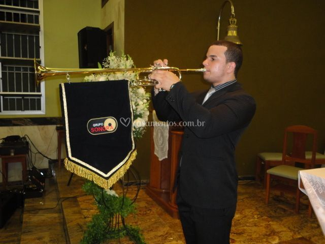 Trompetes triunfais