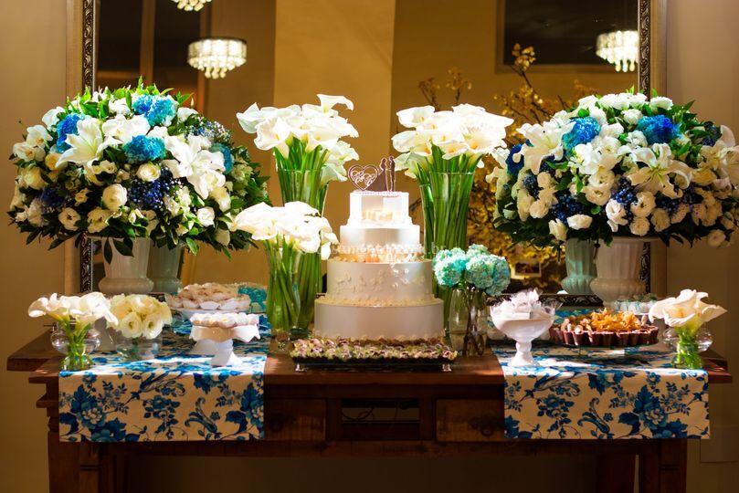 Mesa de bolo e doces