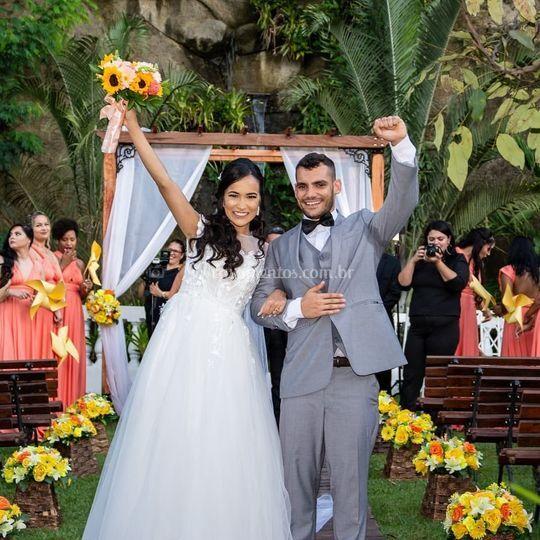 Alegria noivos pós celebração
