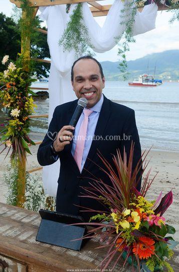 Celebrante Sidney Botelho