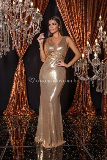 Vestido em paetê dourado
