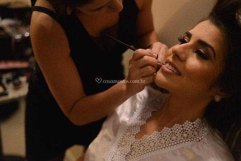 Bel Simas Makeup
