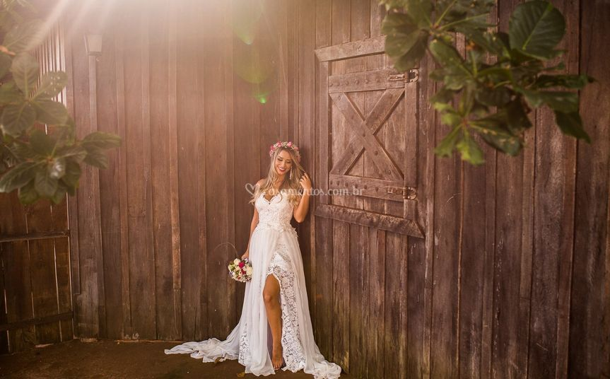 Noiva com vestido de renda