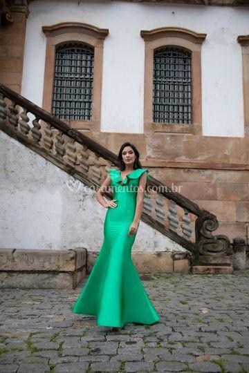 Verde de zibeline com babados