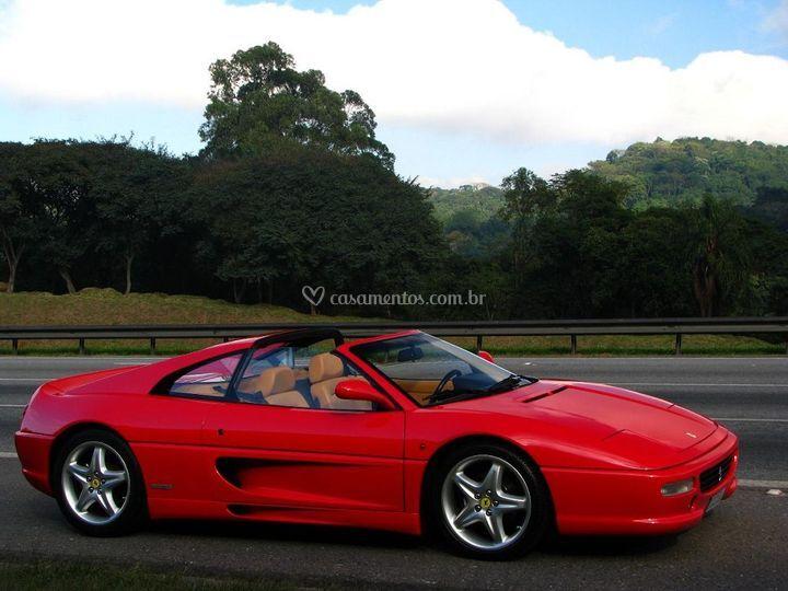 Ferrari F355 vermelha para casamentos