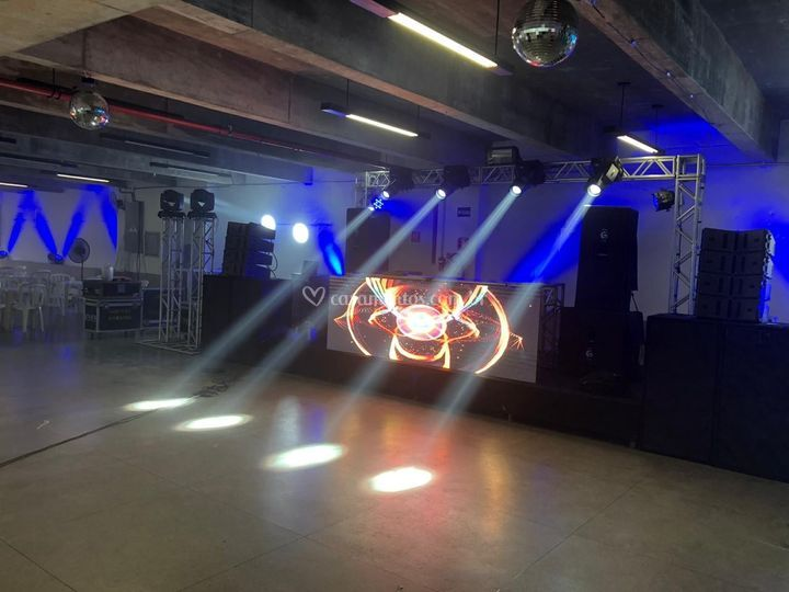 House DJ com LED