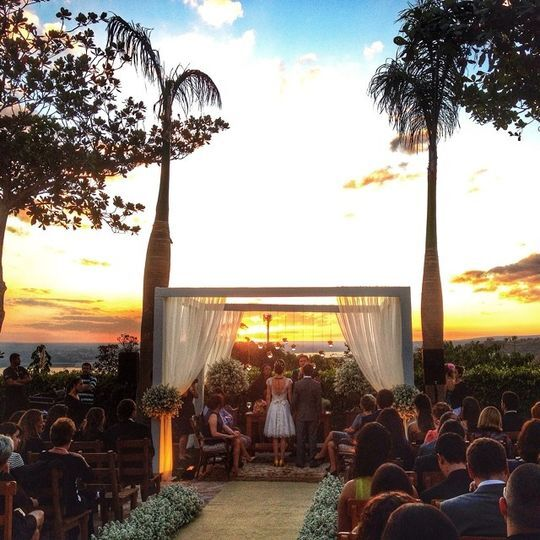 Cerimônia ao por-do-sol