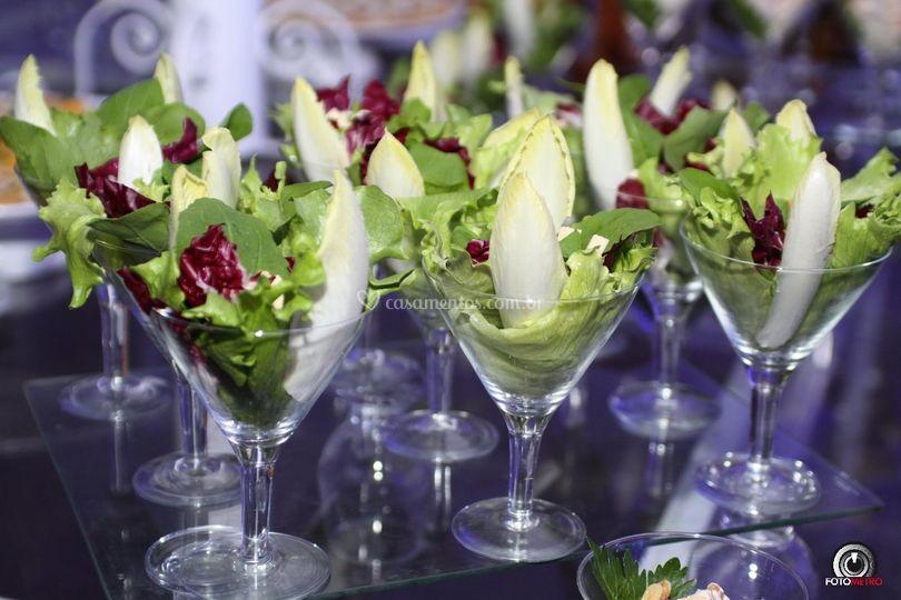 Salada na tacinha