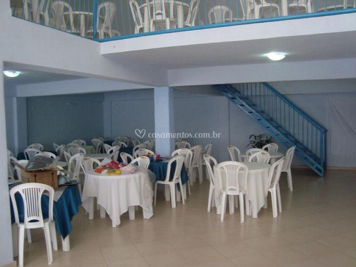 Salão com mezanino