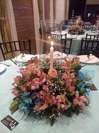 Arranjo de mesa convidados