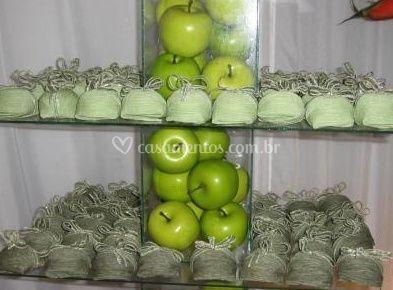 Bem-casados e maçãs verdes