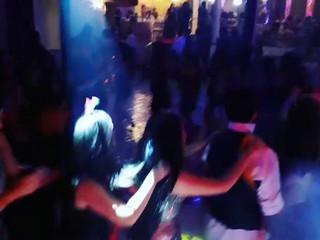 A pista de dança mais alegre que você já viu