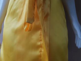Video robe normal amarelo dourado