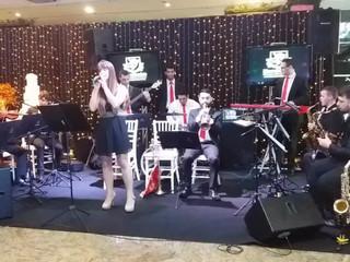 Harmonise Producoes Musicais cantora Dani Regiani
