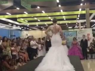 Desfile dos vestidos do Ateliê Bella Maria